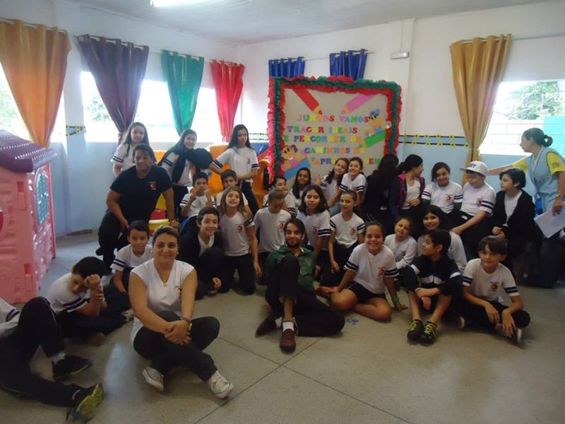 Alunos visitam a Creche Célia Domit