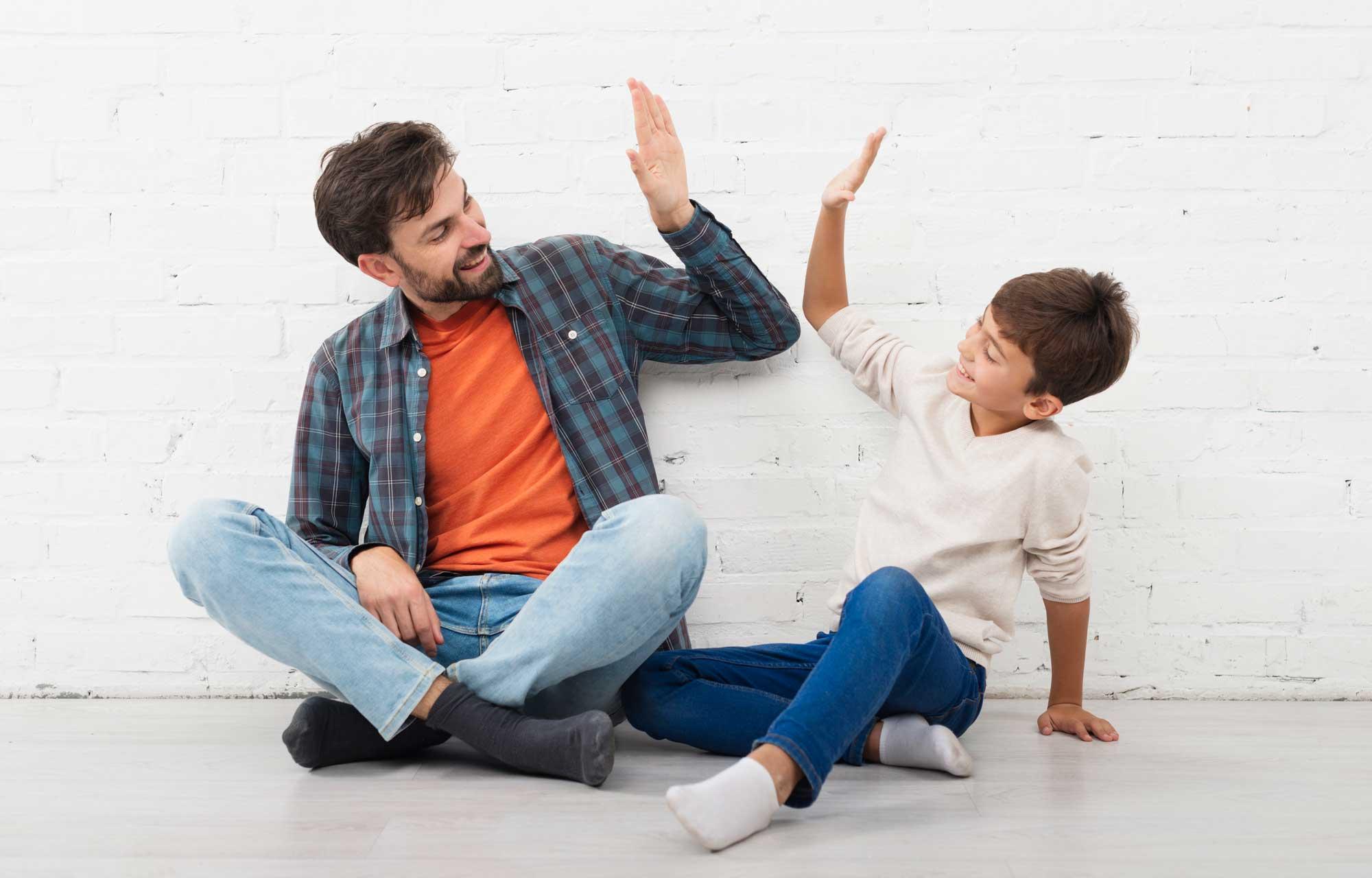 O que e como você fala com seus filhos faz a diferença entre um adulto feliz e um frustrado