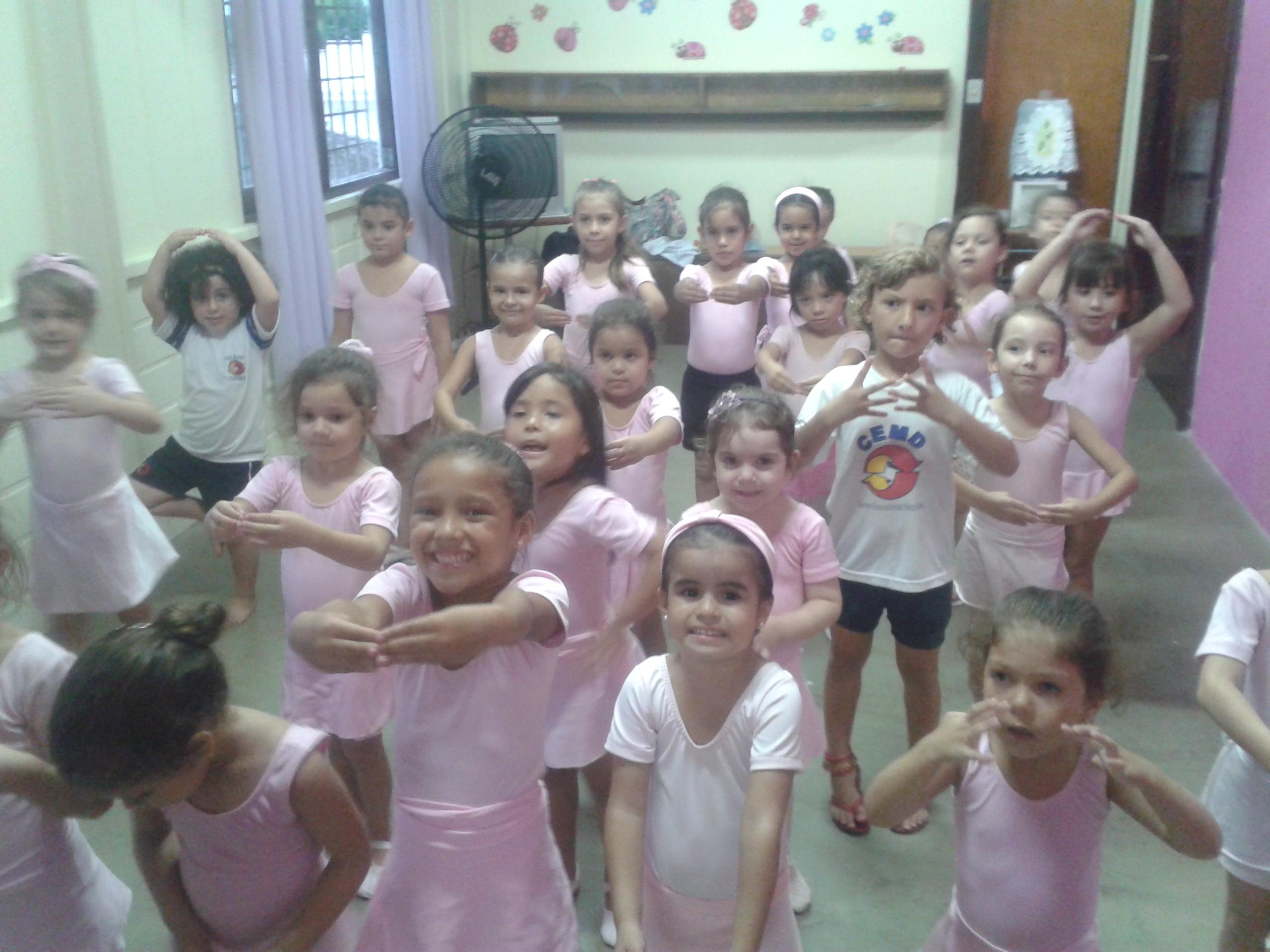 Atividades extracurriculares: Futsal e Ballet