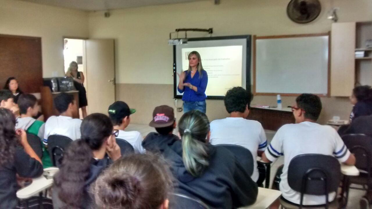Palestra com os alunos do Ensino Fundamental e Médio
